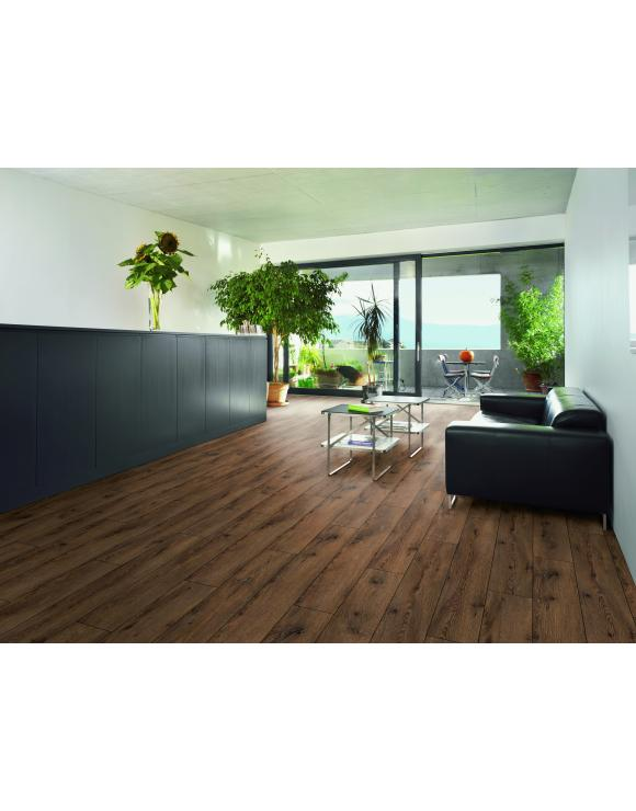 Zinal Oak 5G 8mm Laminate Flooring image