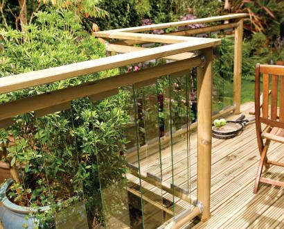 Contemporary Glass Panel Decking