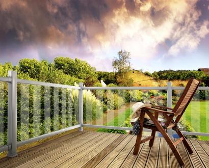 Modern Deck Metal & Glass Decking