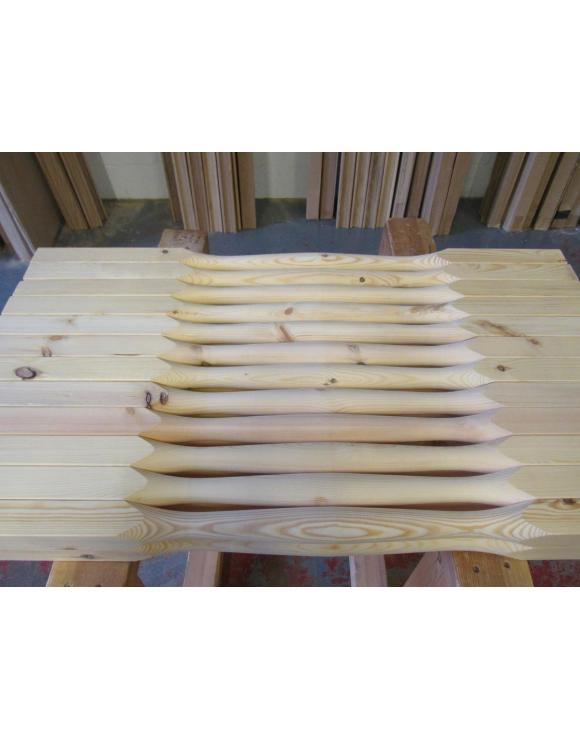 Box 16 Pine Slender Quays Turned 41mm Second Grade Spindles image
