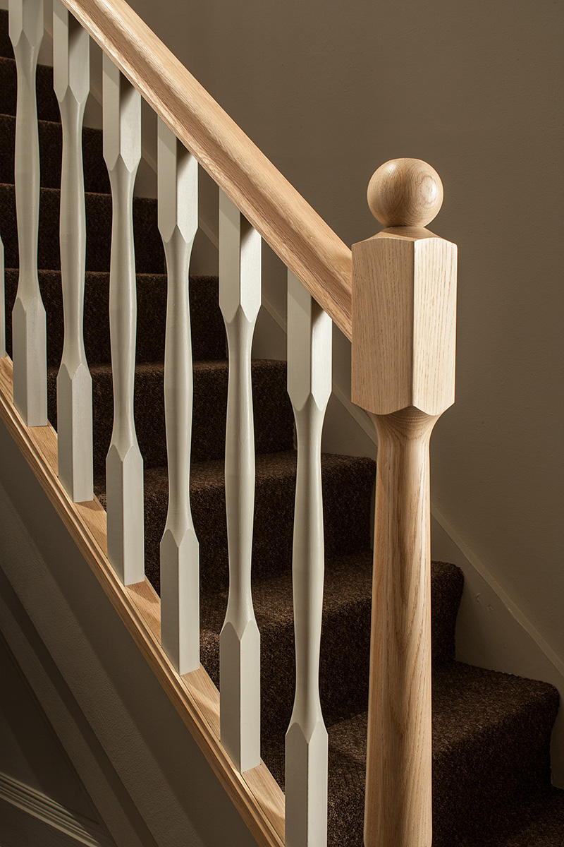 Superieur ... 90mm Slender Quays Stair Newel Post With Spigot Select Timber And Type  Image